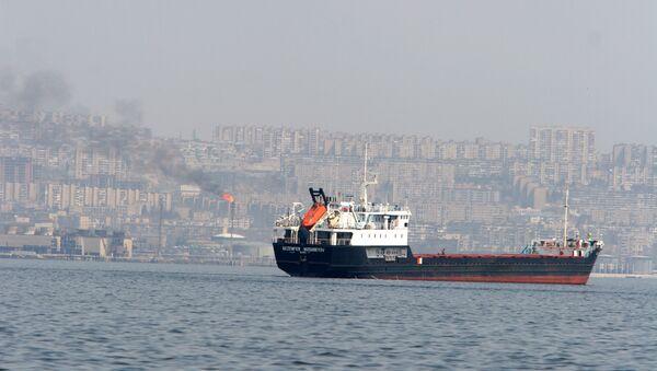 Танкер перед выходом в море, фото из архива - Sputnik Азербайджан