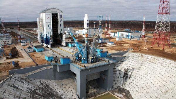 Вывоз ракеты Союз-2.1а с космическими аппаратами на стартовую площадку космодрома Восточный - Sputnik Азербайджан