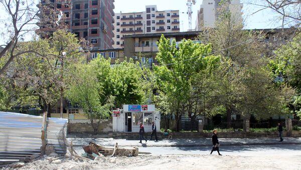 Новостройки и старые дома в Баку, архивное фото - Sputnik Азербайджан