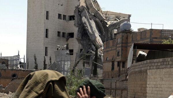 Последствия ударов авиации коалиции арабских стран в Йемене. Архивное фото - Sputnik Азербайджан