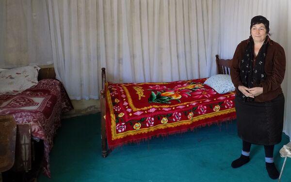 Семья проживает в однокомнатном доме - Sputnik Азербайджан