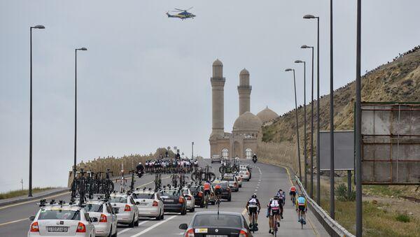 В Баку стартовал велотур Tour d' Azerbaijan-2016 - Sputnik Азербайджан