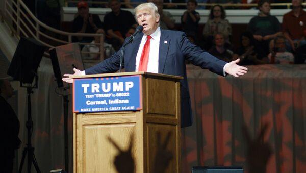 Кандидат в президенты США от Республиканской партии Дональд Трамп в штате Индиана - Sputnik Азербайджан