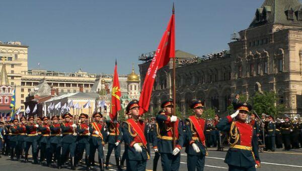 Самые яркие моменты парада Победы на Красной площади в Москве - Sputnik Азербайджан