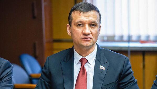 Дмитрий Савельев, депутат Государственной Думы ФС РФ, руководитель межпарламентской группы дружбы Россия-Азербайджан - Sputnik Azərbaycan