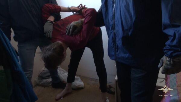 Кадры задержания террориста-вербовщика Хизб ут-Тахрир аль-Ислами в Москве - Sputnik Азербайджан