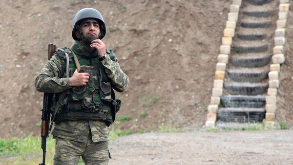 Солдат азербайджанской армии на боевом посту, фото из архива - Sputnik Азербайджан