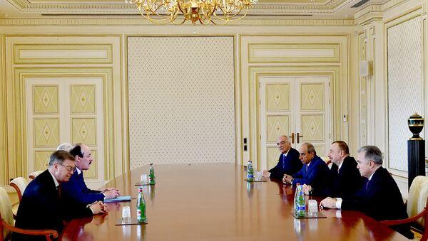 Президент Ильхам Алиев принял главу Дагестана Рамазана Абдулатипова - Sputnik Азербайджан