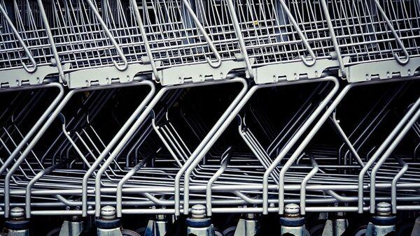 Покупательские тележки. Архивное фото - Sputnik Азербайджан