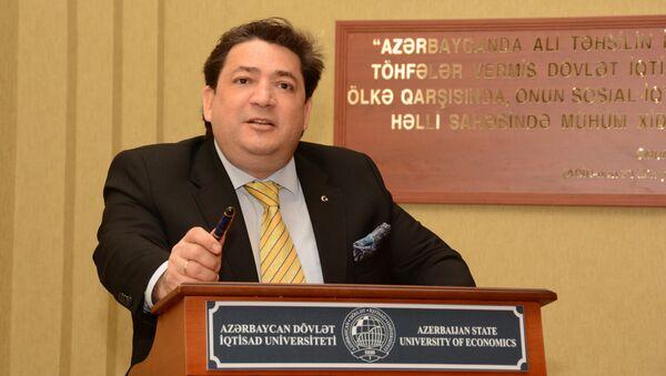 Доктор экономических наук, профессор UNEC Захид Мамедов - Sputnik Азербайджан