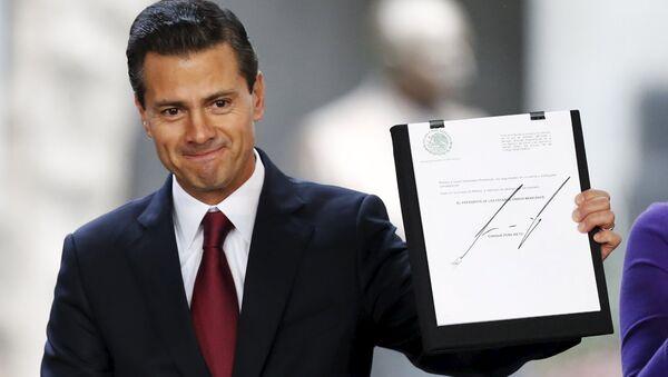 Президент Мексики, Энрике Пенья Ньето - Sputnik Азербайджан