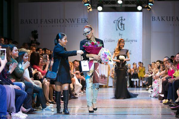 Oрганизаторами этого мероприятия являются продюсерский центр HAFIZ AGHAYEV, модельное агентство FMS Models Любови Гуторовой и международный канал ID Fashion - Sputnik Азербайджан
