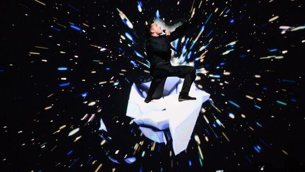 Сергей Лазарев (Россия) во время генеральной репетиции финала 61-го международного конкурса песни Евровидение 2016 в Стокгольме - Sputnik Азербайджан