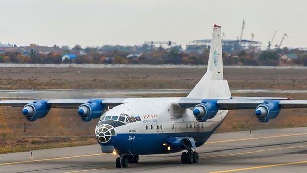 Самолет авиакомпании SilkWay - Sputnik Азербайджан