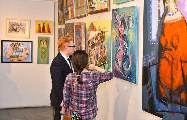 Открытие выставки Из вчера в сегодня в галерее Союза художников Азербайджана - Sputnik Азербайджан