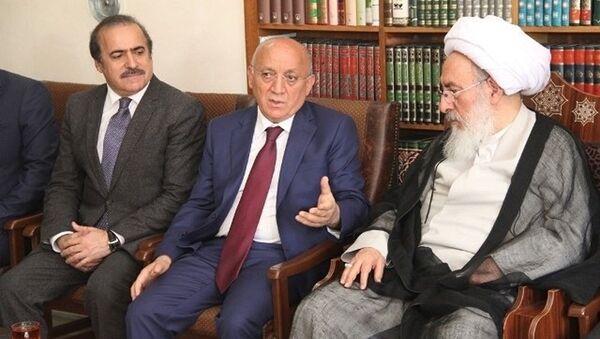 В Тебризе состоялась встреча председатель Госкомитета Мубариза Гурбанлы с представителем высшего руководителя Ирана аятоллой Мохсеном Муджтахидом Шабистари - Sputnik Азербайджан