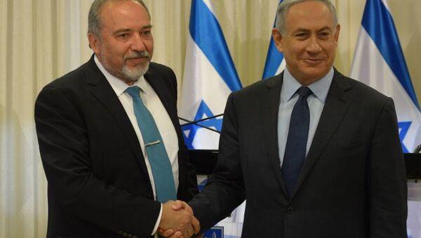 Aviqdor Liberman və Benyamin Netanyahu - Sputnik Azərbaycan