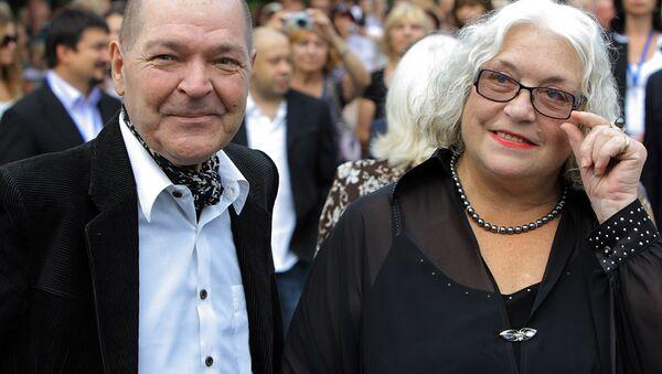 Алексей Жарков и Лидия Федосеева-Шукшина. Архивное фото - Sputnik Азербайджан