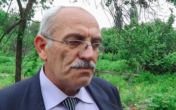 Директор средней школы деревни Хиль Абдулширин Оруджалиев - Sputnik Азербайджан
