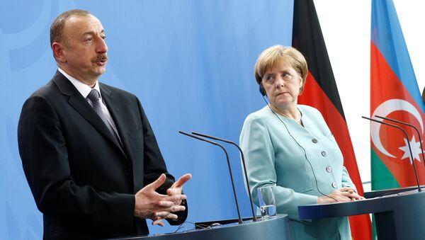 İlham Əliyev və Angela Merkel - Sputnik Azərbaycan