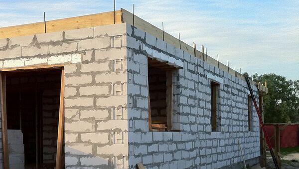 Недостроенный одноэтажный дом. Архивное фото - Sputnik Азербайджан