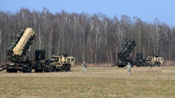 Военные США устанавливают систему ПРО Patriot на полигоне в польском городе Сохачев - Sputnik Азербайджан