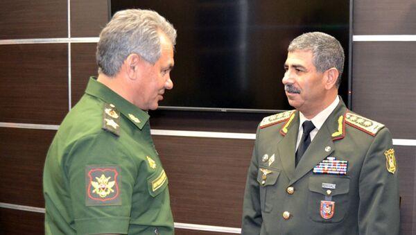 Sergey Şoyqu və Zakir Həsənov. Arxiv şəkli - Sputnik Azərbaycan