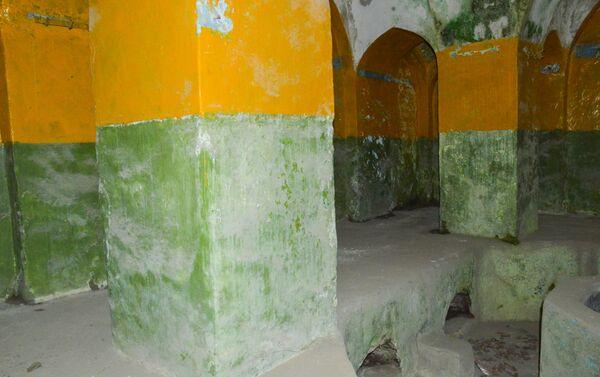 Купальные комнаты поделены на четыре части - Sputnik Азербайджан