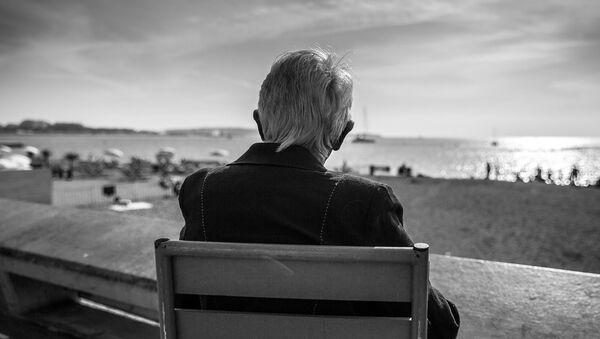 Yaşlı kişi - Sputnik Azərbaycan