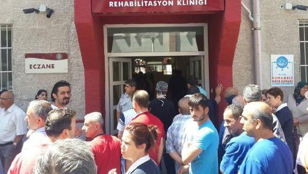 В лечебном отделении Университета Анкары между работниками произошла перестрелка - Sputnik Азербайджан