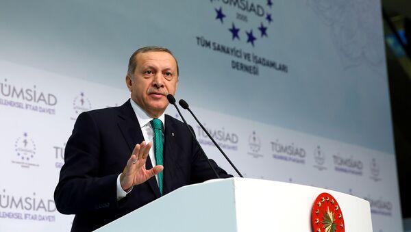 Президент Турции Реджеп Тайип Эрдоган выступает на мероприятии, организованном Ассоциацией промышленников и предпринимателей Турции - Sputnik Azərbaycan