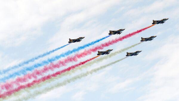 Пролет боевых самолетов ВВС Азербайджана во время торжественного военного парада в Баку. Архивное фото - Sputnik Азербайджан