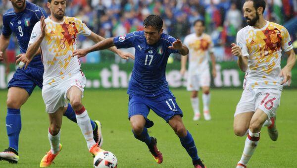 Футбол. Чемпионат Европы - 2016. Матч Италия - Испания - Sputnik Азербайджан