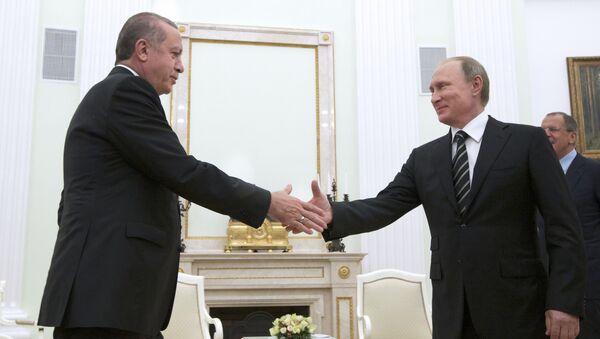 Rəcəp Tayyip Ərdoğan və Vladimir Putin. Arxiv şəkli - Sputnik Azərbaycan