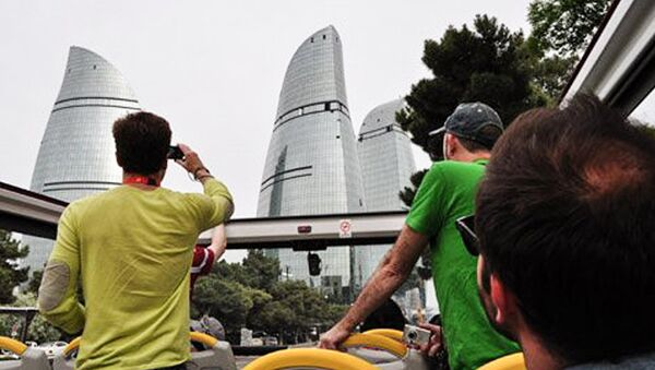 Туристы в Баку. Архивное фото - Sputnik Азербайджан