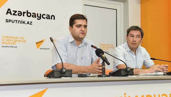 Politoloq Elxan Şahinoğlu və İlqar Vəlizadə - Sputnik Azərbaycan
