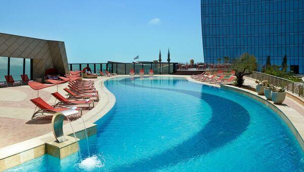 Бассейн в одном из городских отелей - Sputnik Азербайджан