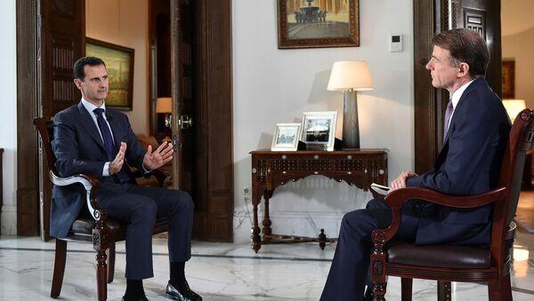 Президент Сирии Башар Асад с журналистом телеканала MSNBC - Sputnik Азербайджан