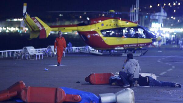 Террористическая атака, произошедшая в Ницце - Sputnik Азербайджан