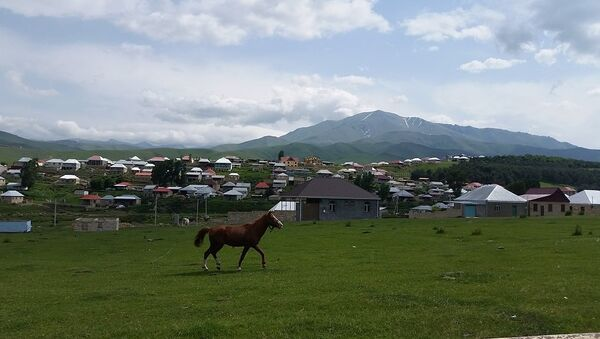 Одним из излюбленных мест отдыха в Азербайджане является село Хошбулаг Дашкесанского района - Sputnik Азербайджан