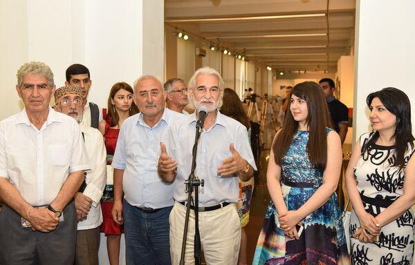 Выставка Эльмиры Раджабовой Сокровища Диснея - Sputnik Азербайджан