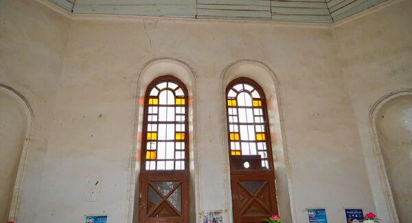 Не заметить церковь в селе Гёйтепе невозможно, в глаза бросается прежде всего оригинальная архитектура строения - Sputnik Азербайджан