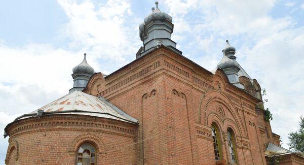 У церкви, которую строили местные мастера, шесть куполов - Sputnik Азербайджан