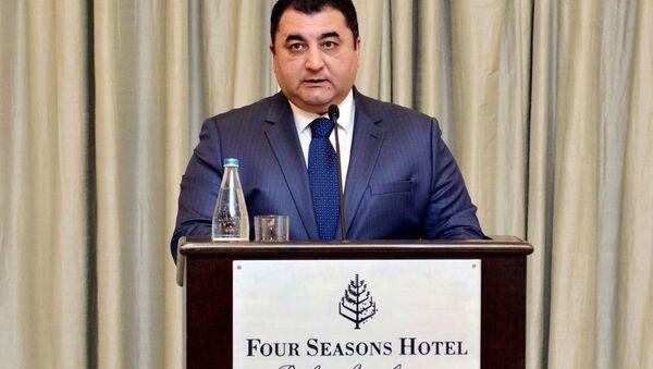 Заместитель заведующего отделом по общественно-политическим вопросам Администрации президента Вугар Алиев - Sputnik Азербайджан