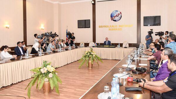 Bu gün Azərbaycan Milli Paralimpiya Komitəsi Rio-de Janeyro Paraolimpiya oyunları öncəsi mətbuat konfransı keçirib - Sputnik Azərbaycan