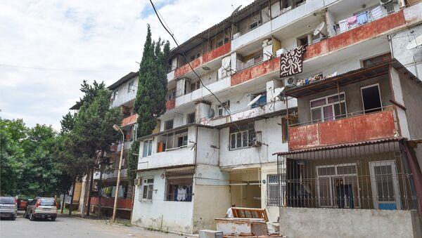 Yasamal rayonu, Şərifzadə küçəsi 33 ünvanında yerləşən yataqxanaların söküntüsünə başlanıb - Sputnik Azərbaycan
