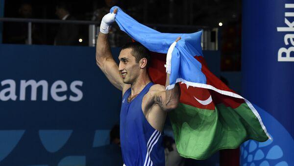 Теймур Мамедов празднует свою победу на I Европейских играх в Баку. 25 июня 2015 года - Sputnik Азербайджан