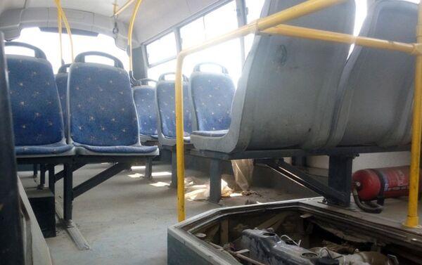 При выезде с Бакинского международного автовокзала, данный микроавтобус был в исправном состоянии - Sputnik Азербайджан