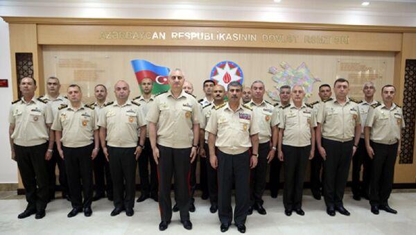 Министр обороны встретился с военными атташе иностранных государств - Sputnik Азербайджан