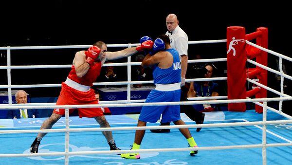 Точные удары Меджидова не оставили никаких шансов марокканскому  боксеру - Sputnik Azərbaycan